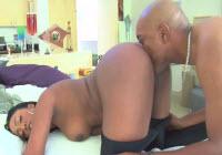 Ebony culona chiavata da un cazzo nero