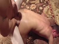 Porno gay amatoriale con dei biondi che si inculano