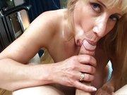 Olivia Parrish fa pompino con ingoio