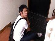 Diciottenni giapponesi affamati di sesso