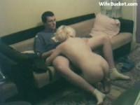 Sesso a tre con una moglie porca